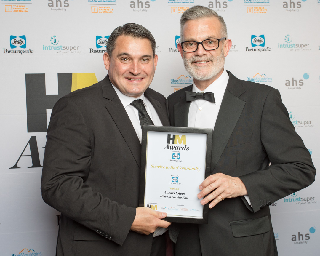 Paul Columbus GM Novotel Auckland Airport (accepting Service to the Community Award)