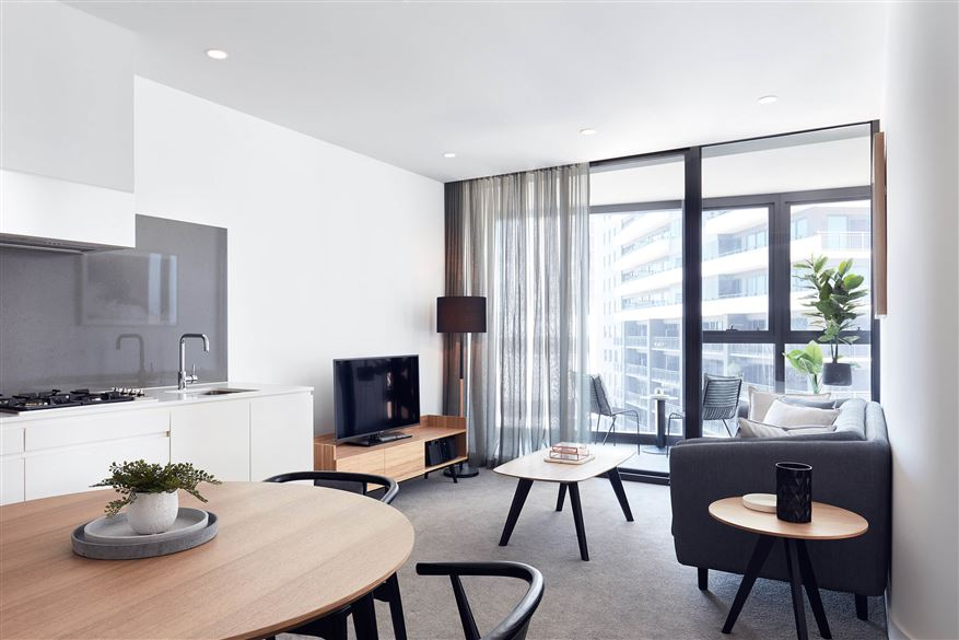 Shadow-Play-by-Peppers-2-Bedroom-Apartment-Living.t79999