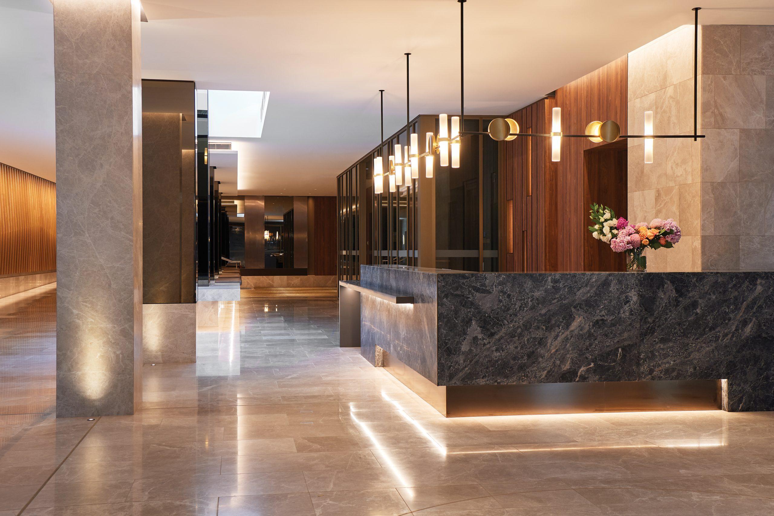 Parmelia-Hilton-Front Desk