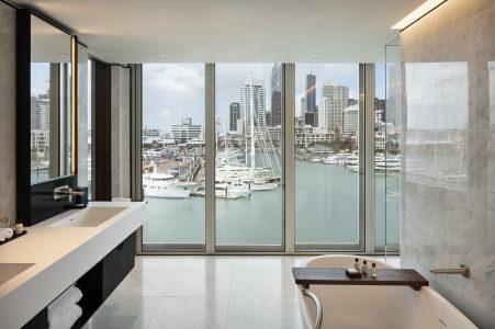 bathroom suite Park Hyatt