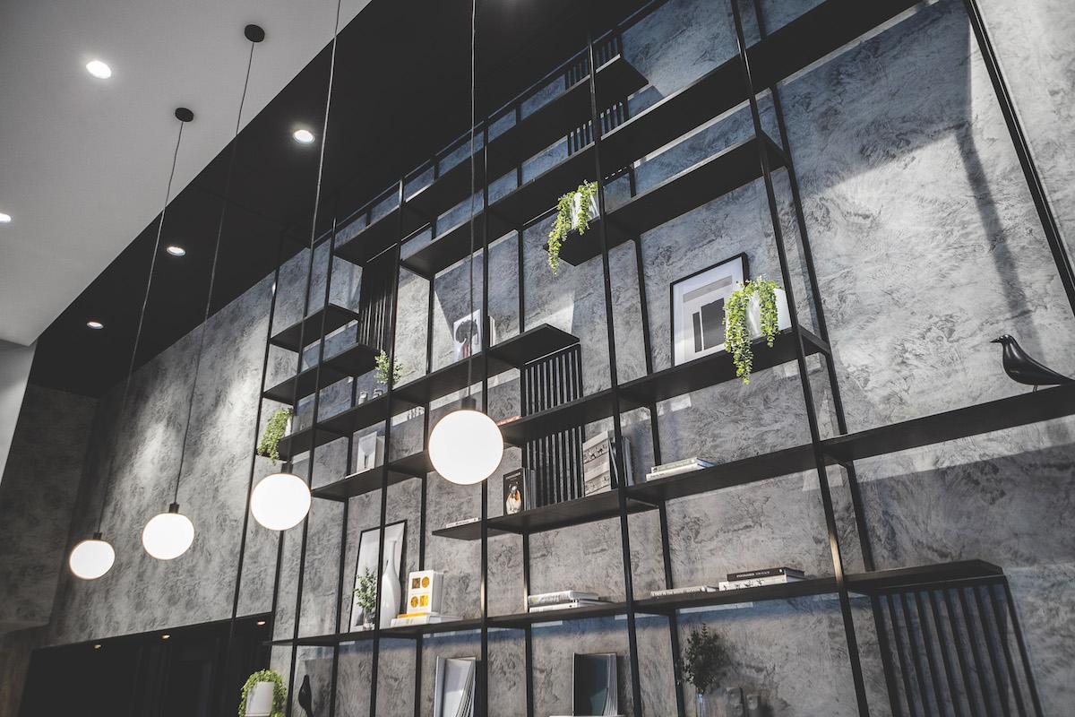 travelodge-hotel-docklands-melbourne-lobby-details-03-2020