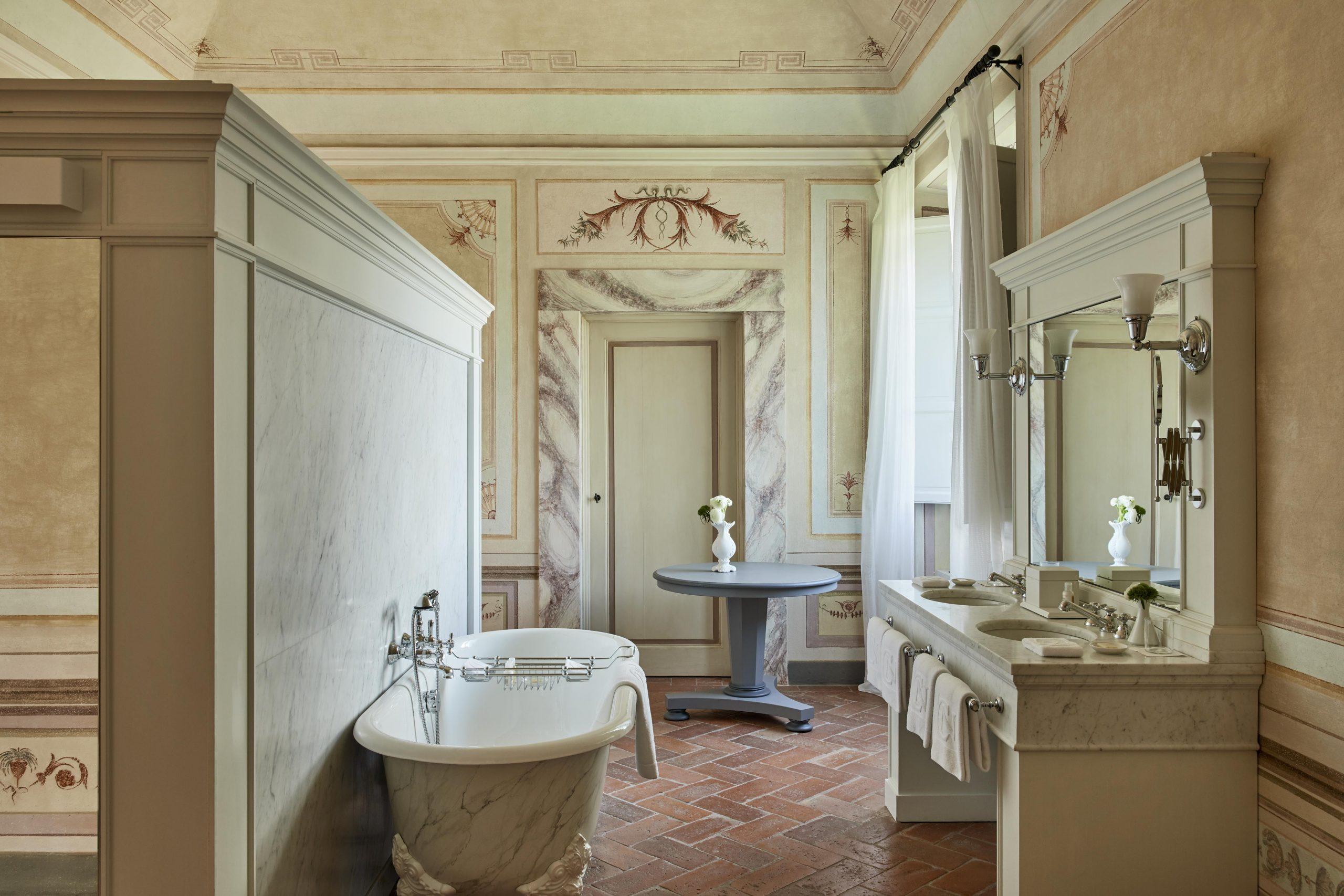 COMO CDN_Bathroom_Heritage_Suite