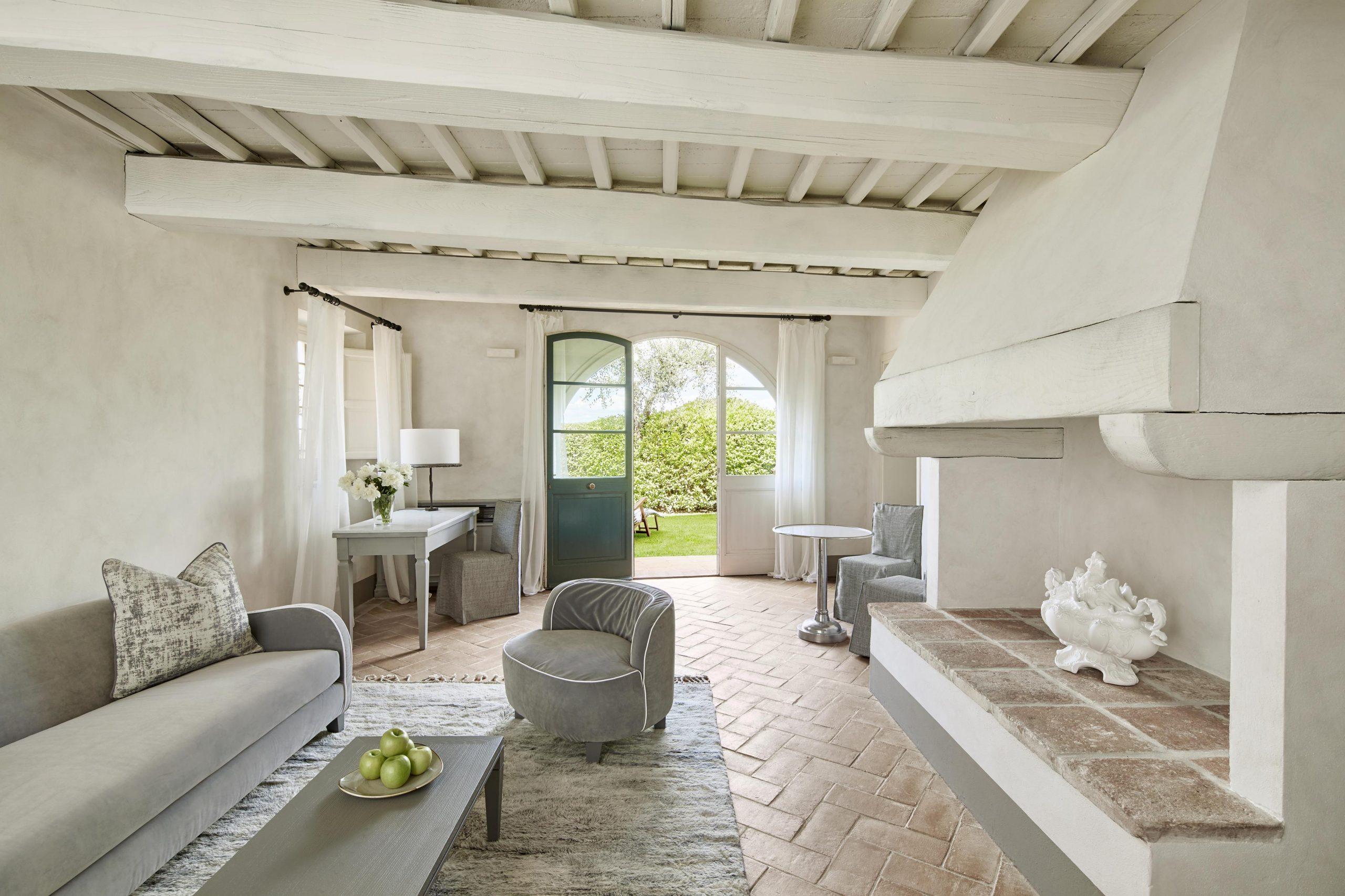 COMO CDN_Tavernelle_Suite_Living_Room